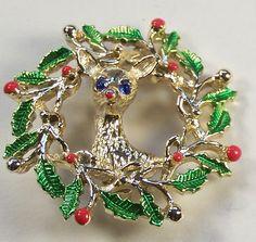 Vintage Gerry's Reindeer And Wreath Christmas Pin Brooch