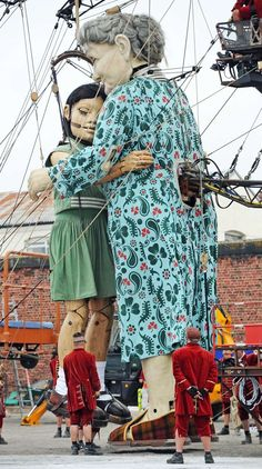 """Nantes, France - Home of the """"Giants"""" - Liverpool commemorates with the return of the Giants♡ Liverpool History, Liverpool Home, Marionette Puppet, Puppets, Laika Studios, Art Brut, Wedding Humor, Public Art, Steampunk"""