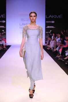 http://www.lakmefashionweek.co.in/wp-content/uploads/2014/03/Payal-Singhal-LFW-SR-14-8.jpg