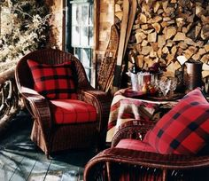 Ralph Lauren love the bed. decoracao de interior: Minimalista Casa Galeria De Fotos This is so beautiful Lodge Look, Lodge Style, Style Anglais, Interior Minimalista, Cabin In The Woods, Little Cabin, Cabins And Cottages, Log Cabins, Rustic Cabins
