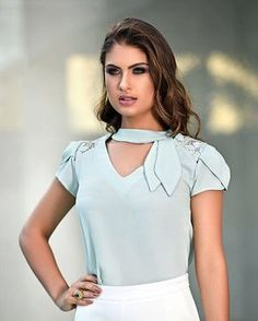 Fancy Tops, Moda Chic, Latest Tops, Blouse Styles, Work Attire, Contemporary Fashion, Fashion Outfits, Womens Fashion, Fashion Details