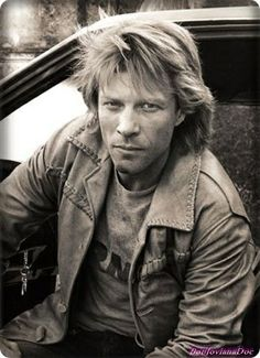 Jon Bon Jovi--------<3 <3<3