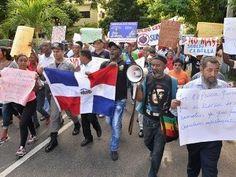 Policías retirados piden aumento salarial