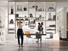 Parete attrezzata divisoria fissata a soffitto 30mm / LAGOLINEA WEIGHTLESS Collezione LagoLinea by Lago | design Daniele Lago