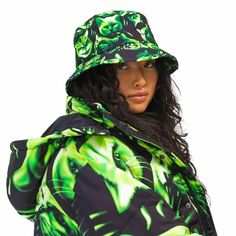 The new Rip N Dip Neon Nerm Bucket Hat has that halloween vibes that will bring in that refreshing take to your style. Rip N Dip, Skateboard Fashion, Black Bucket Hat, Thrasher, Hurley, Hats For Men, Neon Green, Caps Hats, Fashion Brands