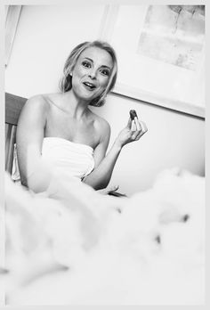 Stephen McCluskey Photography - Bride sneaking a snack before she gets into her dress!