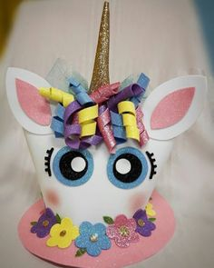 Sombrero Loco Unicorn ❤ Handmade by Ahura M. Crazy Hat Day, Crazy Hats, Crazy Socks, Silly Hats, Funny Hats, Foam Crafts, Diy And Crafts, Crafts For Kids, Easter Hat Parade