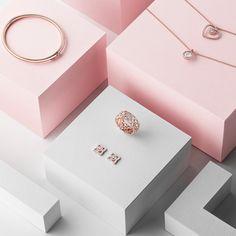 De Beers Pink Gold Jewellery