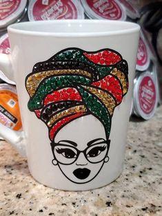 Diy Mug Designs, Art Designs, Ceramic Coffee Cups, Coffee Mugs, Prayer Jar, Wedding Wine Glasses, African Crafts, Diy Mugs, Latte Mugs