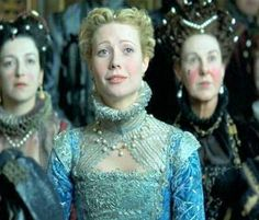 Shakespeare In Love, 1998 Costume design: Sandy Powell narrow sleeved blue gown with jewel embellished neck ruff and shoulder wings - worn by Gwyneth Paltrow in the role of Viola De Lesseps Sandy Powell, Colleen Atwood, Shakespeare In Love, Music Documentaries, Elizabethan Era, Music Theater, Theatre, In And Out Movie, Blue Gown