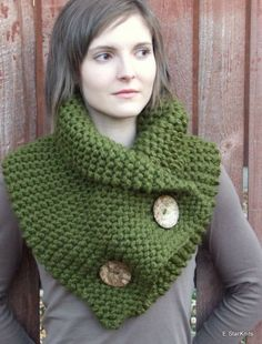 Green knitted collar for women, # women # for # yarn # green # knitted collar - Stricken 2020 Crochet Scarves, Crochet Shawl, Knit Crochet, Loom Knitting, Free Knitting, Tricot Simple, Knitting Patterns, Crochet Patterns, Capelet Knitting Pattern