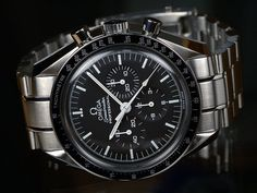 800px OMEGA Speedmaster Professional Front 10 Things You Should Know About Omega Timpieces