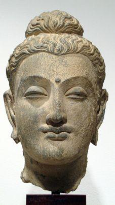 Lot 17, gray schist head of Buddha