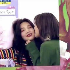 BTS v ja punainen sametti Irene dating