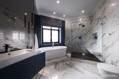 Fürdőszoba márvány burkolattal