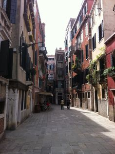 The narrow streets of Venice...