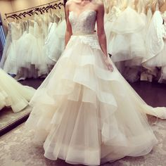 Love the top of this Lazaro