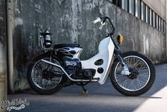 Honda Cub, Build A Bike, Mini Bike, Classic Bikes, Bike Design, Bike Trails, Vintage Japanese, Bobber, Chopper