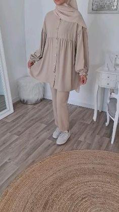 Iranian Women Fashion, Islamic Fashion, Muslim Fashion, Modest Fashion, Fashion Outfits, Hijab Fashion Inspiration, Mode Inspiration, Mode Turban, Mode Abaya