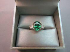 Vintage Emerald Green Ring 925 Sterling Silver SZ 6 Heart DQCZ Korea 4.23 Grams #ThreeStone