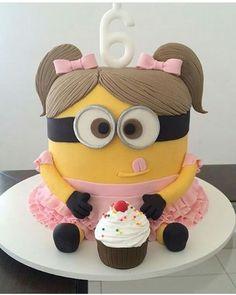 "Blog De Festas Infantis✨ no Instagram: ""Bolo Minions para menina  Por: @reginameynard  #DentroDaFesta . . #minions #minionsparty #minionscake #despicableme #festa #festainfantil #party #partykids"""