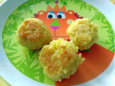 Recette de boulettes de riz pour bébé et enfant, qui tiennent dans la main ou au bout de la fourchette ! Fini les grains de riz par terre !!