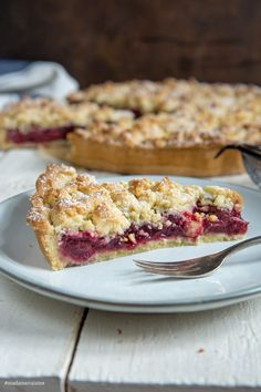 dessert recipes 645703665313756956 - Kirsch-Streusel-Kuchen – Madame Cuisine Source by sabikruppa Easy Homemade Desserts, Homemade Vanilla Cake, Easy Vanilla Cake Recipe, Homemade Cake Recipes, Chocolate Cake Recipe Videos, Chocolate Chip Recipes, Cake Chocolate, Dessert Simple, Cherry Crumble