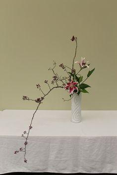 hanamai, the ikebana blog: Ikebana -- Living Flowers, Living Art, an exhibit