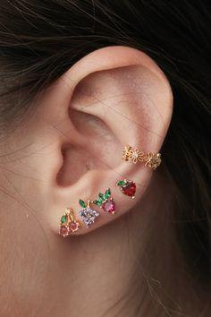 Rose Gold Bar earrings in Rose Gold fill, rose gold bar studs, gold bar post earrings, minimalist jewelry - Fine Jewelry Ideas - Rue Gembon Gala Gold Earcuff - Ear Jewelry, Cute Jewelry, Jewelery, Jewelry Accessories, Jewelry Ideas, Conch Jewelry, Jewelry Patterns, Gold Bar Earrings, Cute Earrings