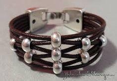 Resultado de imagen para pulseras en perlas paso a paso