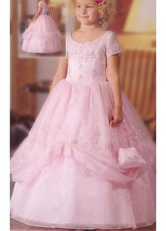 Flower girl has to look like a princess :)
