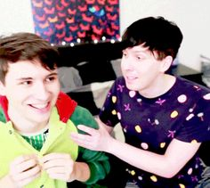 Can we talk about Dan's hair for a minute please? <<<< I'd like to talk more about how he looks like he was going to lean on Phil