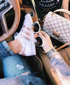 style,stylish-fashion style stylish love me cute photooftheday nails hair beauty beautiful instagood instafashion pretty girly pink g Adidas Superstar, Fashion Days, Fashion Shoes, Fashion Outfits, Womens Fashion, Fashion Fashion, Retro Fashion, Winter Fashion, Adidas Shoes Women