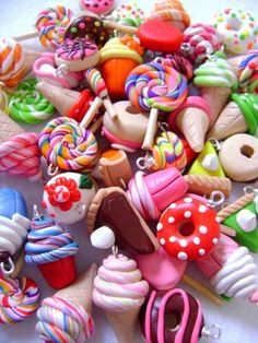 Items similar to Polymer Clay Dessert Charms, Assorted Food Charms, Set of 100 Polymer Clay Food Charms on Etsy Diy Fimo, Crea Fimo, Cute Polymer Clay, Cute Clay, Polymer Clay Miniatures, Fimo Clay, Polymer Clay Charms, Polymer Clay Projects, Polymer Clay Creations
