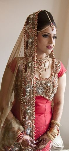 like the gold contrast dupatta