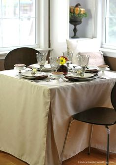 Thanksgiving card table setting