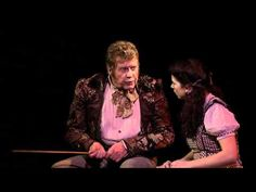 """Wizard of Oz (Andrew Lloyd Webber) - Michael Crawford ''Wonders of the World"""". I love this cast! Theatre Shows, Broadway Theatre, Musical Theatre, Frank Spencer, New Wizard Of Oz, Music Of The Night, Phantom Of The Opera, Wonders Of The World, The Voice"""