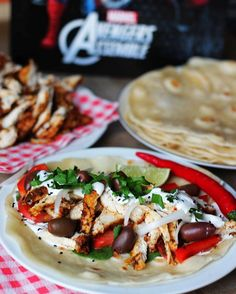 Shawarma from Avengers kuchnia filmowa Avengers, Tacos, Mexican, Ethnic Recipes, Food, Essen, The Avengers, Meals, Yemek