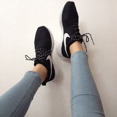 2014 cheap nike shoes for sale info collection off big discount.New nike roshe run,lebron james shoes,authentic jordans and nike foamposites 2014 online. Dream Shoes, New Shoes, Shoes Heels, Adidas Shoes Outlet, Nike Free Shoes, Doc Martens Oxfords, Ankle Strap Sandals, Types Of Shoes, Shoe Game