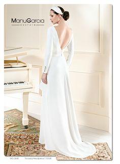 Con un espectacular escote en la espalda... para poder luciros el día de vuestra boda!! #vestidodelasemana #novia