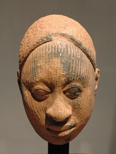 https://upload.wikimedia.org/wikipedia/commons/8/82/Ife_sculpture_Inv.A96-1-4.jpg