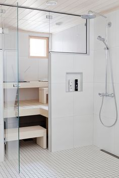 Minimalistic bathroom and sauna. Bad Inspiration, Decoration Inspiration, Bathroom Inspiration, Sauna Steam Room, Sauna Room, Basement Sauna, Sauna Hammam, Sauna Shower, Sauna Design