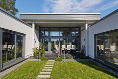 ebenleben linx bungalow hauskonzept ebenleben pinterest maison moderne terrasses et. Black Bedroom Furniture Sets. Home Design Ideas