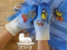 """Варежки, митенки, перчатки ручной работы. Ярмарка Мастеров - ручная работа. Купить Варежки валяные  """"Зима. Синичка.Рябина"""". Handmade."""