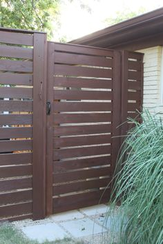 Side Gate option - horizontal slats with thing vertical