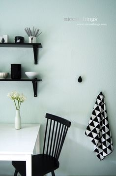 Via Nicest Things | Kitchen | Black and White | Normann Copenhagen | Ferm Living | Design Letters. Photo source: http://neonmizzle.blogspot.com/2013/09/interior-crush-monday-blues.html
