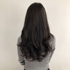 Dealing with hair problems? Try our hair mask and hair oil combo. Use the oil thrice a week and mask twice a week for best effective results. Black Curly Hair, Wavy Hair, Ulzzang Hair, Brunette Hair, Ombre Hair, Hair Looks, Pretty Hairstyles, Hair Lengths, Hair Trends