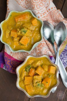 The BEST slow cooker dish you'll have this season! If you love the flavors of Indian cuisine, this is slow cooker pumpkin coconut curry is a KEEPER! Leave out the chicken and use vegetable stock to make it vegan. Entree Recipes, Indian Food Recipes, Paleo Recipes, Cooking Recipes, Dinner Recipes, Slow Cooker Recipes, Crockpot Recipes, Chicken Recipes, Tofu