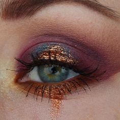 Eye Makeup Tips – How To Apply Eyeliner – Makeup Design Ideas Makeup Goals, Makeup Inspo, Makeup Art, Makeup Inspiration, Makeup Ideas, Clown Makeup, Scary Makeup, Gold Makeup, Glitter Makeup
