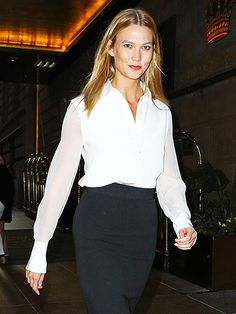 Star Tracks: Wednesday, July 13, 2016 - MODEL MATERIAL A golden-tressed Karlie Kloss flashes a grin as she walks in N.Y.C. on Tuesday.